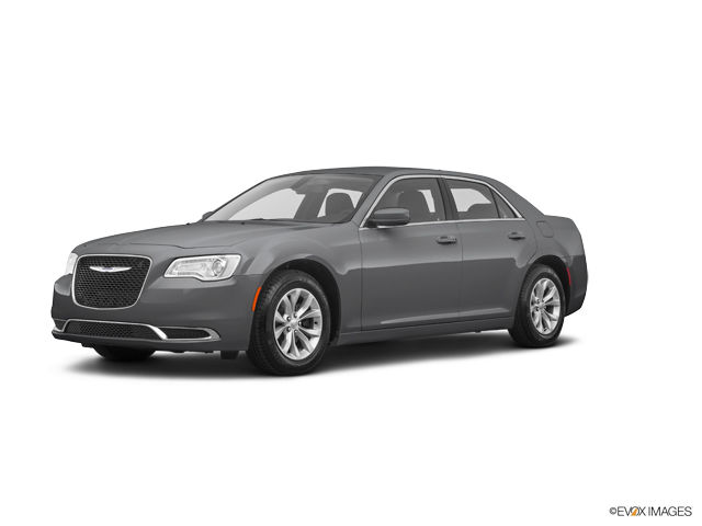 2019 Chrysler 300 Image